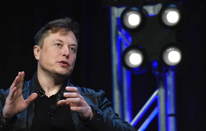 Ông chủ Tesla, Elon Musk dự báo nhu cầu điện toàn cầu sẽ tăng gấp đôi khi xe điện dần phổ biến – VnReview