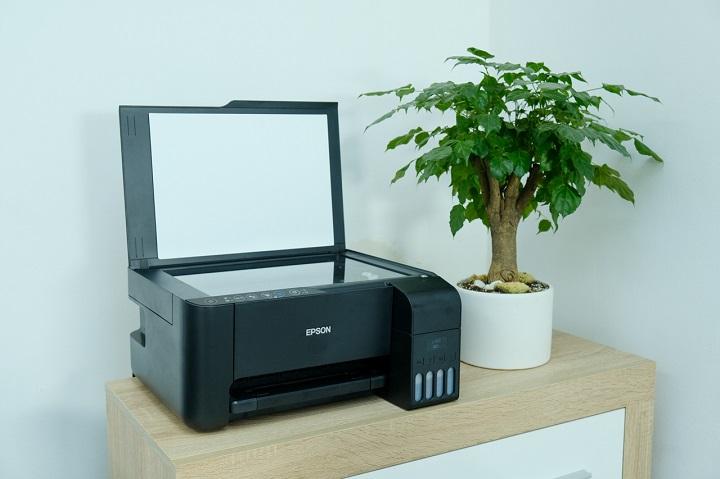 Trên tay máy in màu Epson EcoTank L3150: nhỏ gọn, rất dễ nạp mực, chi phí in rẻ
