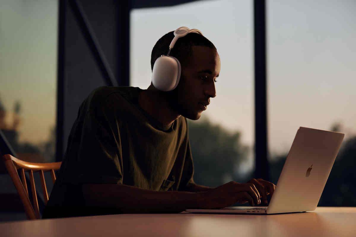 7 bí mật của AirPods Max: không thể nghe nhạc khi hết pin, không thể tắt nguồn thủ công...