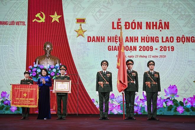 Tổng công ty mạng lưới Viettel được trao tặng danh hiệu Anh hùng Lao động