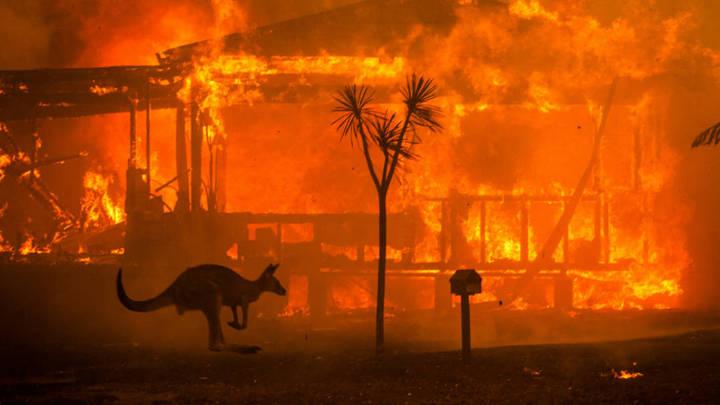"""13 thiên tai cho thấy sức tàn phá kinh hoàng của """"Mẹ thiên nhiên"""" trong năm 2020"""