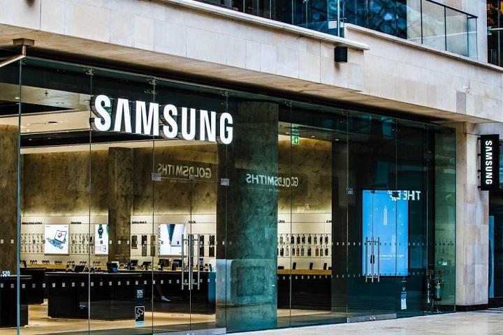 Lần đầu sau 9 năm, doanh số điện thoại của Samsung không thể cán mốc 300 triệu thiết bị