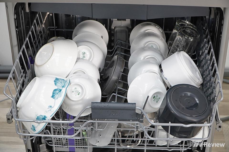 Trải nghiệm máy rửa bát Beko DFN28422X: rửa nhiều và rất sạch, lắp độc lập như máy giặt