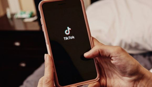 Bé gái 12 tuổi kiện TikTok vì bị xâm phạm thông tin cá nhân