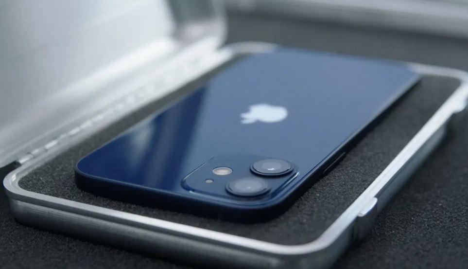 Doanh số iPhone12 mini thất bại vì đắt đỏ so với iPhone 11, iPhone XR và iPhone SE