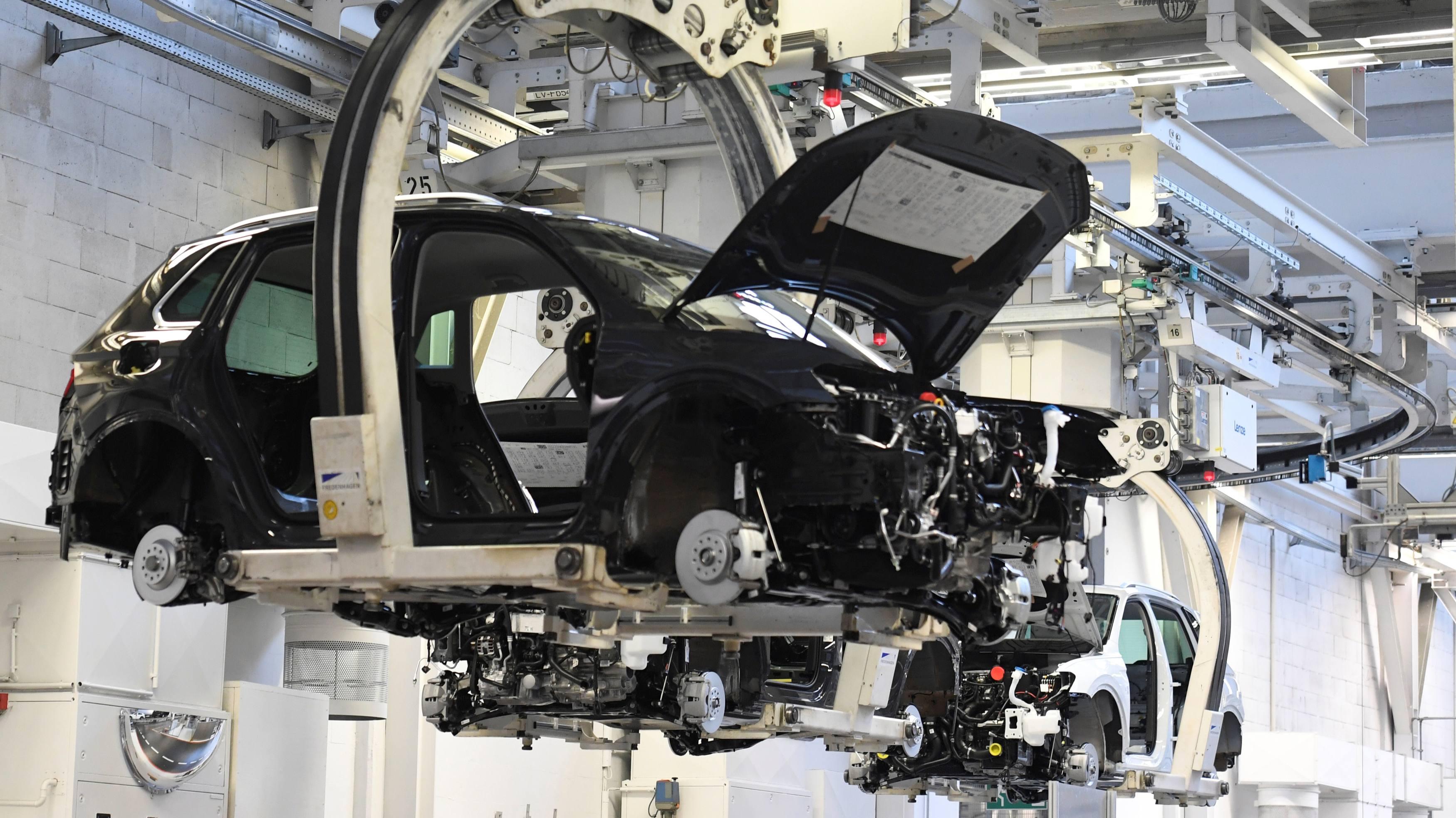 Tình trạng thiếu hụt chip toàn cầu đang đe dọa các công ty sản xuất ô tô trên toàn thế giới