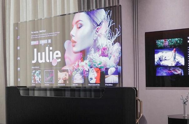 LG Display giới thiệu loạt màn hình độc đáo từ chơi game, giao thông, nhà hàng cho đến... giường ngủ