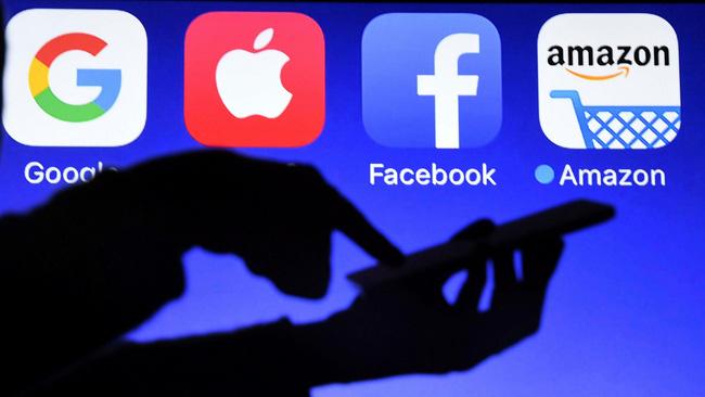 """Twitter """"cấm cửa vĩnh viễn"""" ông Trump: Sẽ có cuộc """"chấn chỉnh"""" với các ông lớn công nghệ?"""