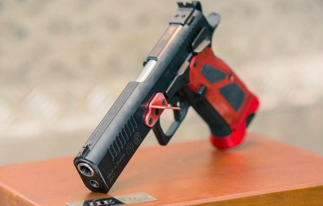 Khẩu súng lục có độ chính xác cao nhất của Nga, ngang súng bắn tỉa