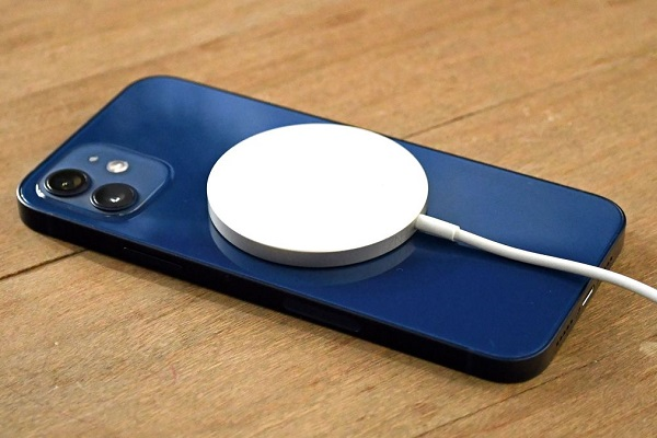 iPhone 12 có thể gây nhiễu loạn máy tạo nhịp tim