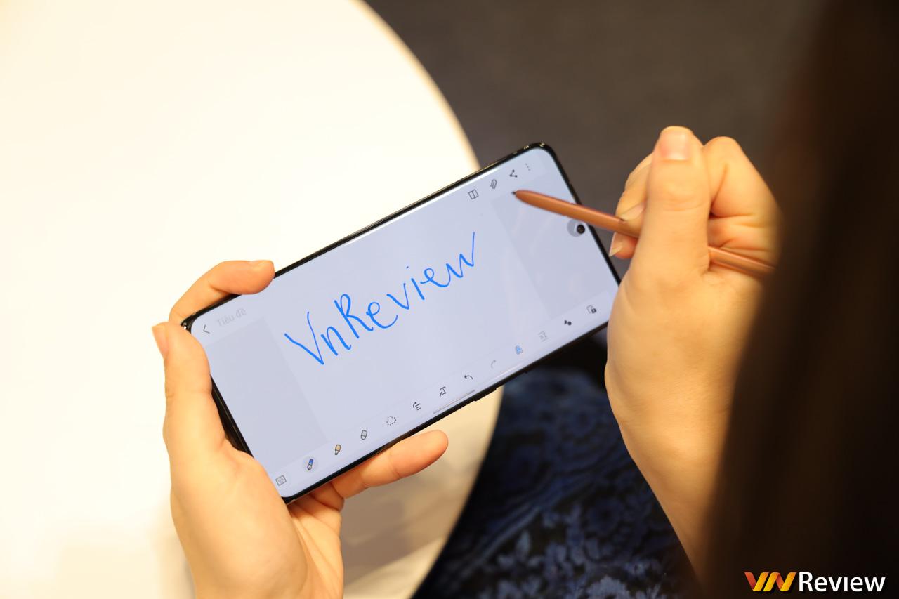Trên tay Galaxy S21 Ultra tại Việt Nam: S Pen mượt như Note, lần đầu có 2 ống tele