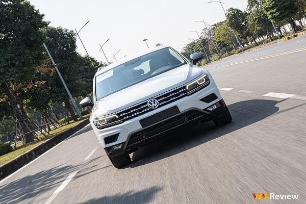 Cận cảnh Volkswagen Tiguan Allspace 2021 giá 1,7 tỷ tại Việt Nam