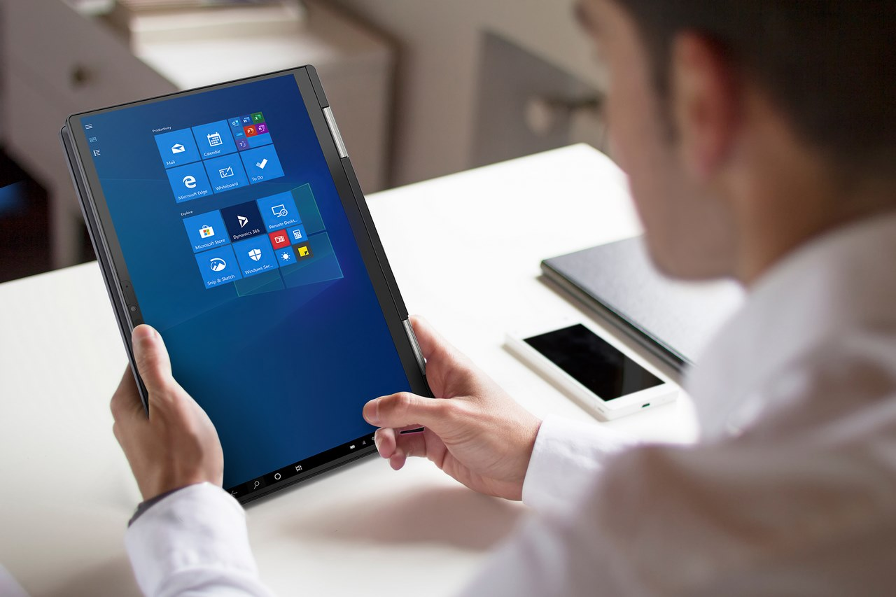 """Dynabook Portégé X30W-J ra mắt: laptop 13 inch """"biến hình"""" chuẩn Intel Evo nhẹ nhất hiện nay, có tới 2 webcam"""