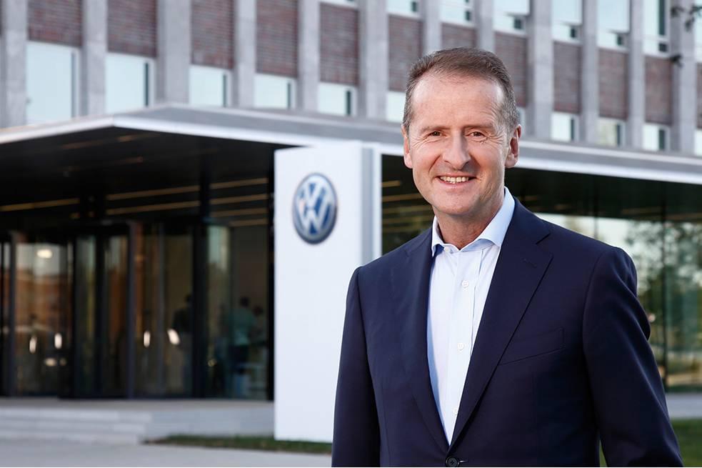 CEO Volkswagen 'cà khịa' Elon Musk ngay trong bài đăng đầu tiên trên Twitter