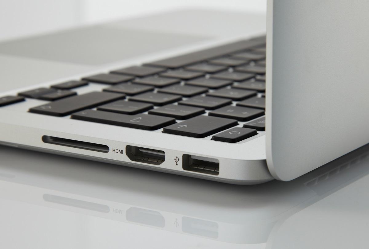 Những chiếc MacBook Pro trong năm nay của Apple sẽ có lại khe đọc thẻ SD