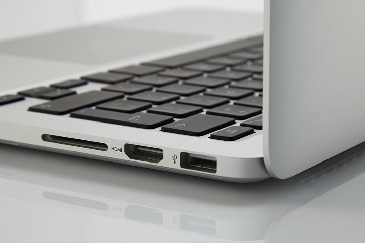 MacBook Pro của Apple sẽ có lại khe đọc thẻ SD?