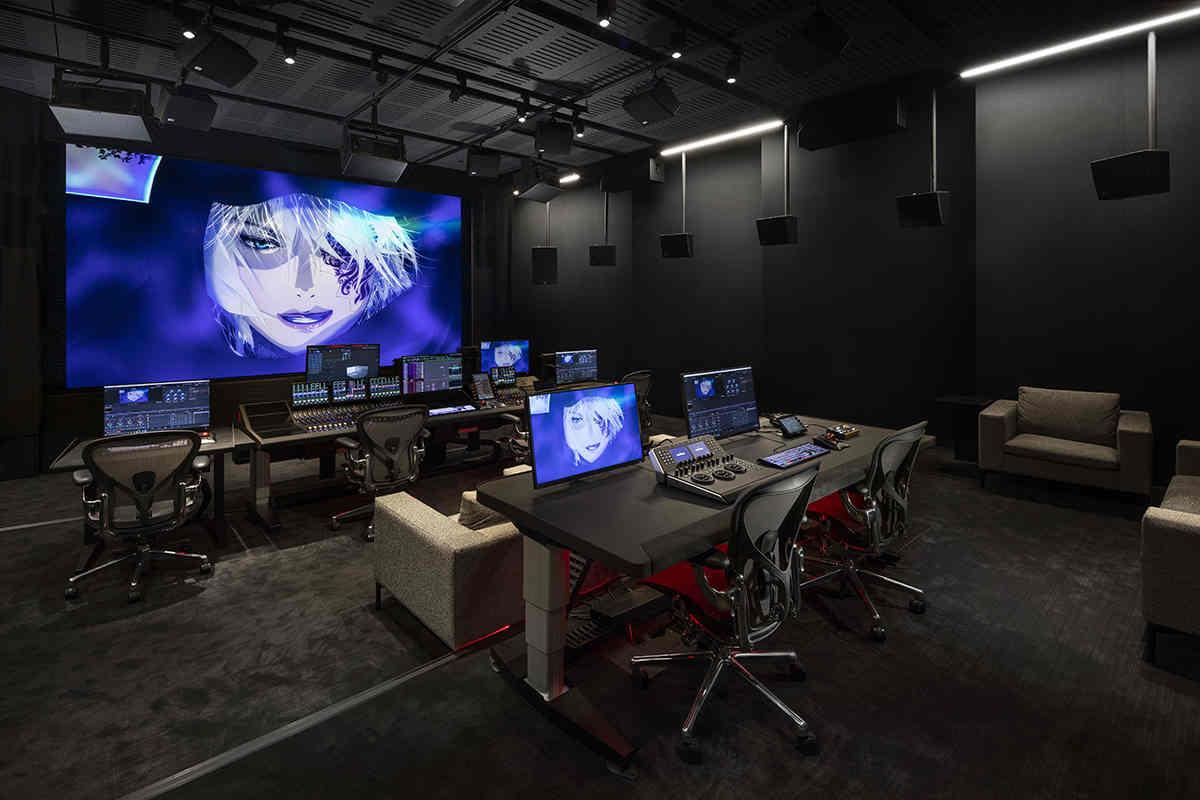 Netflix lắp đặt màn hình gần 15 tỷ đồng của Sony để làm phim