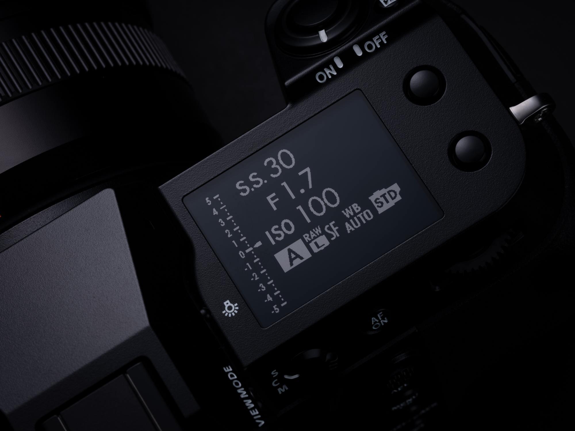 Fujifilm ra mắt GFX 100S: Chiếc máy ảnh Medium Format nhỏ gọn với cảm biến 102MP