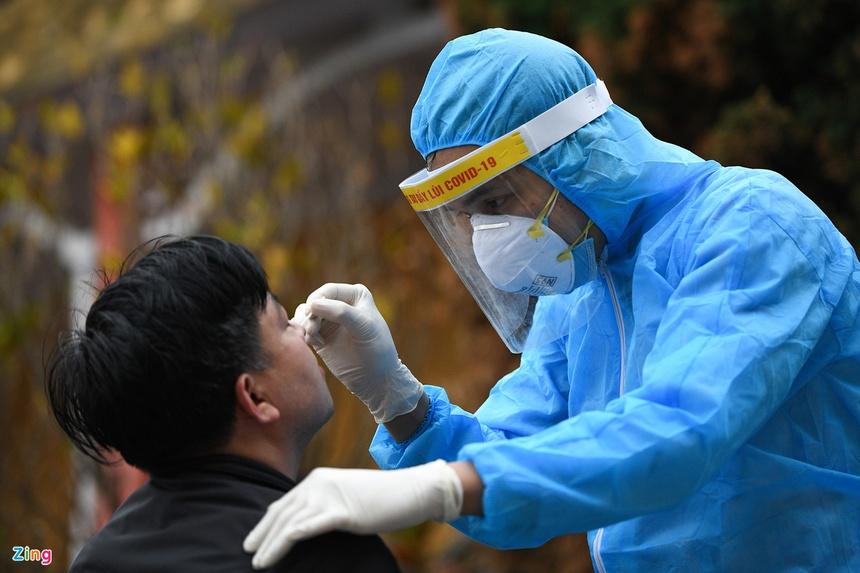 Thêm 14 người xét nghiệm nhanh dương tính với SARS-CoV-2