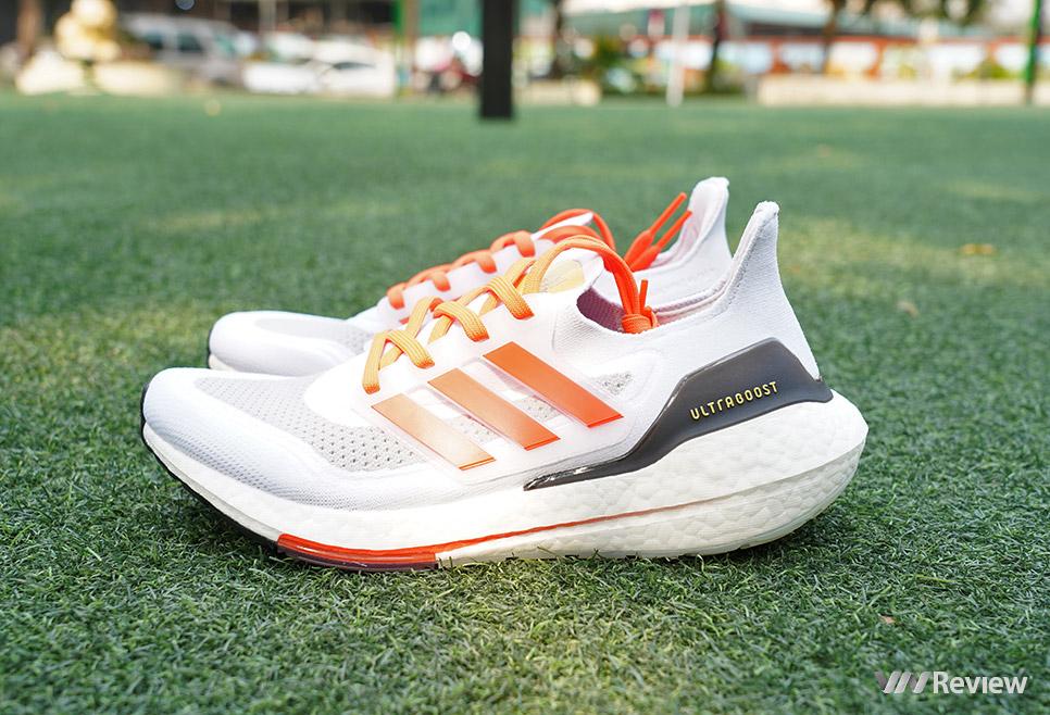 """Trên """"chân"""" giày chạy adidas Ultraboost 21 vừa mở bán ở Việt Nam"""