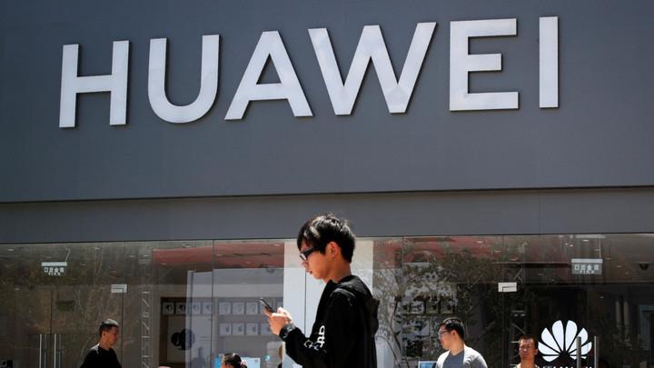 """Huawei sắp tìm thấy """"ánh sáng cuối đường"""" nhờ chính quyền mới của Mỹ?"""