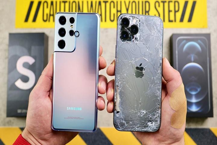 Galaxy S21 Ultra đối đầu iPhone 12 Pro Max trong thử thách thả rơi