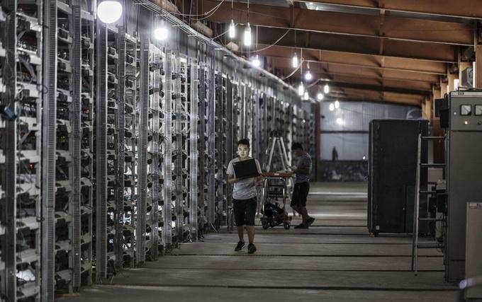 Thợ đào Bitcoin Trung Quốc làm sập hệ thống điện của Iran