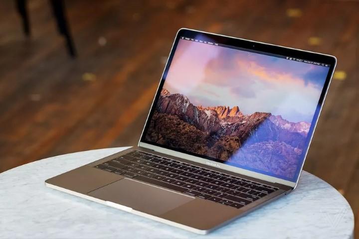 Apple sẽ thay thế pin miễn phí cho một số chiếc MacBook Pro 2016 và 2017