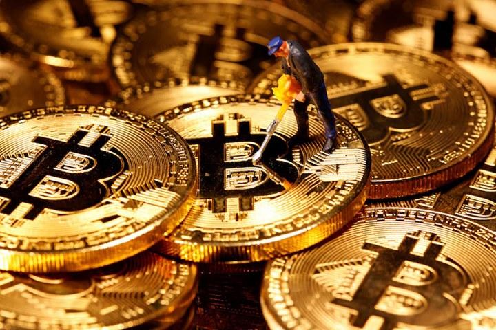 """Giống như Tesla, Twitter đang cân nhắc """"canh bạc mạo hiểm"""" với Bitcoin"""