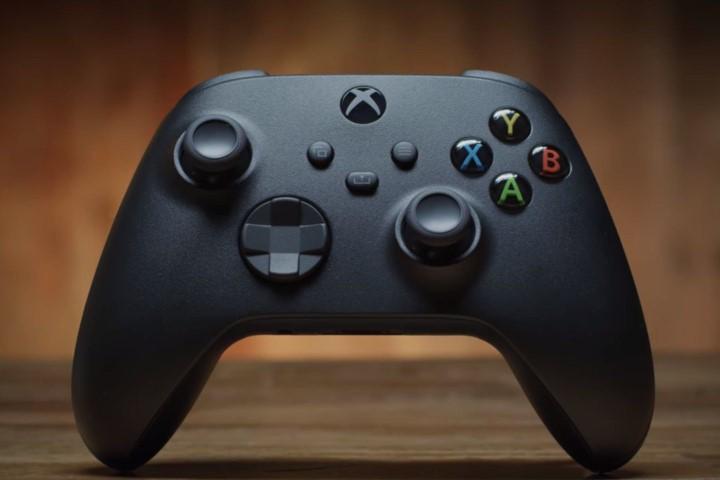 Tay cầm Xbox Series X/S có thể chuyển đổi kết nối giữa console, smartphone và PC