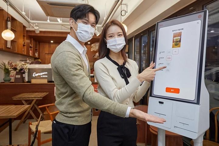Samsung khai trương các ki-ốt tự phục vụ ở Hàn Quốc để chống dịch Covid-19