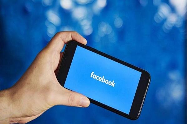 """Facebook đã trở thành công ty trị giá 770 tỷ USD """"vay mượn ý tưởng"""" của đối thủ"""