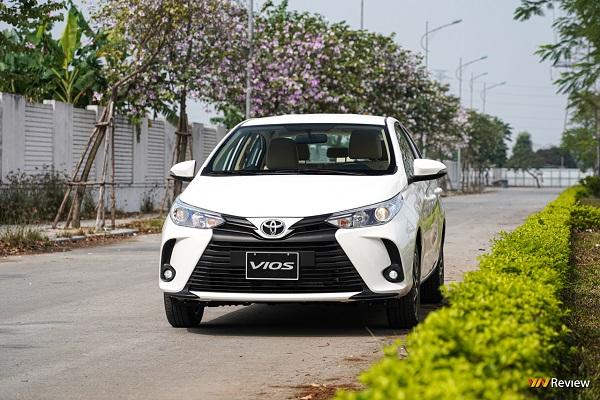 Soi chi tiết Toyota Vios 2021 phiên bản E CVT, giá 550 triệu đồng