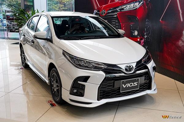Cận cảnh Toyota Vios GR-S, phiên bản cao nhất có gì?