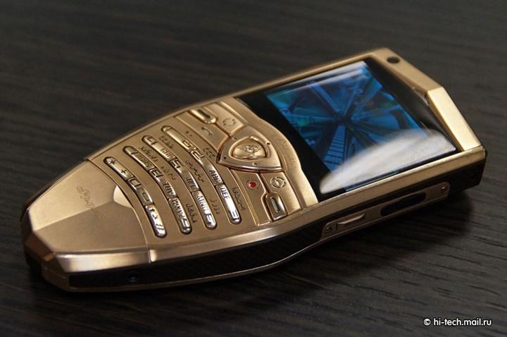 Ngược dòng thời gian: Những chiếc điện thoại mang thương hiệu ô tô (P2)