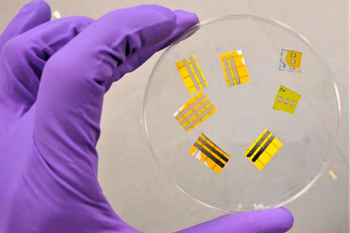 Các nhà khoa học chế tạo thành công hình xăm phát sáng bằng công nghệ OLED