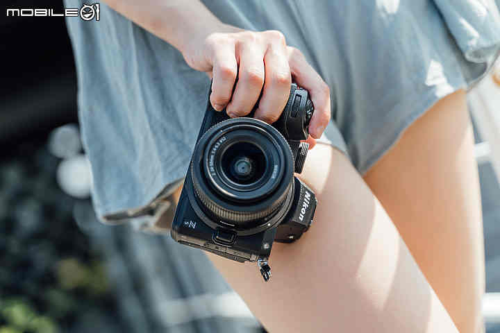 """Chỉ là ông lớn ở """"vùng đất chết"""", Nikon có thể là cái tên tiếp theo rút khỏi thị trường máy ảnh"""