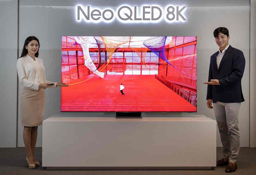 Samsung tuyên bố TV Neo QLED mới vượt trội hơn LG OLED