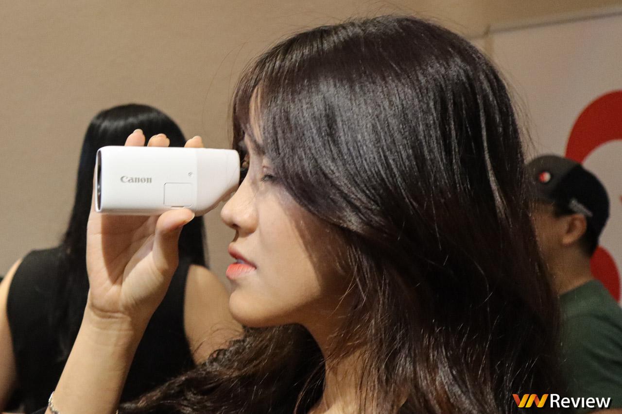Canon bán ống nhòm kiêm máy ảnh, máy quay PowerShot ZOOM tại Việt Nam, giá 9 triệu đồng
