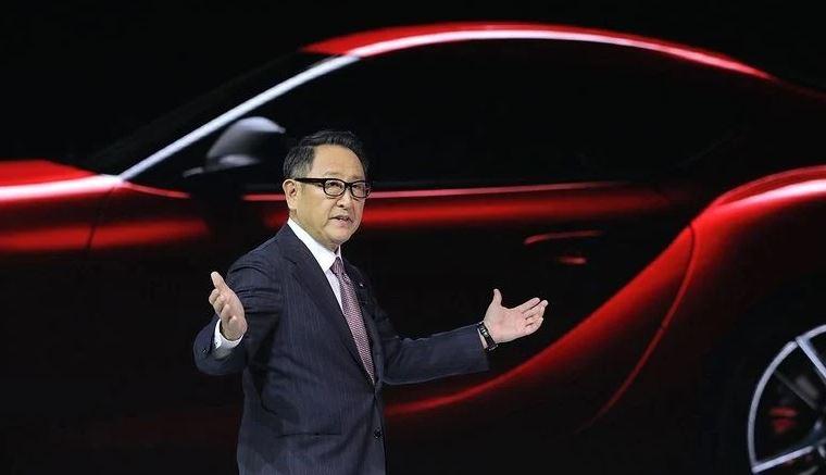 """Chủ tịch Toyota nhắn nhủ Apple """"làm xe hơi không dễ ăn"""", cần 40 năm để hỗ trợ Apple Car"""