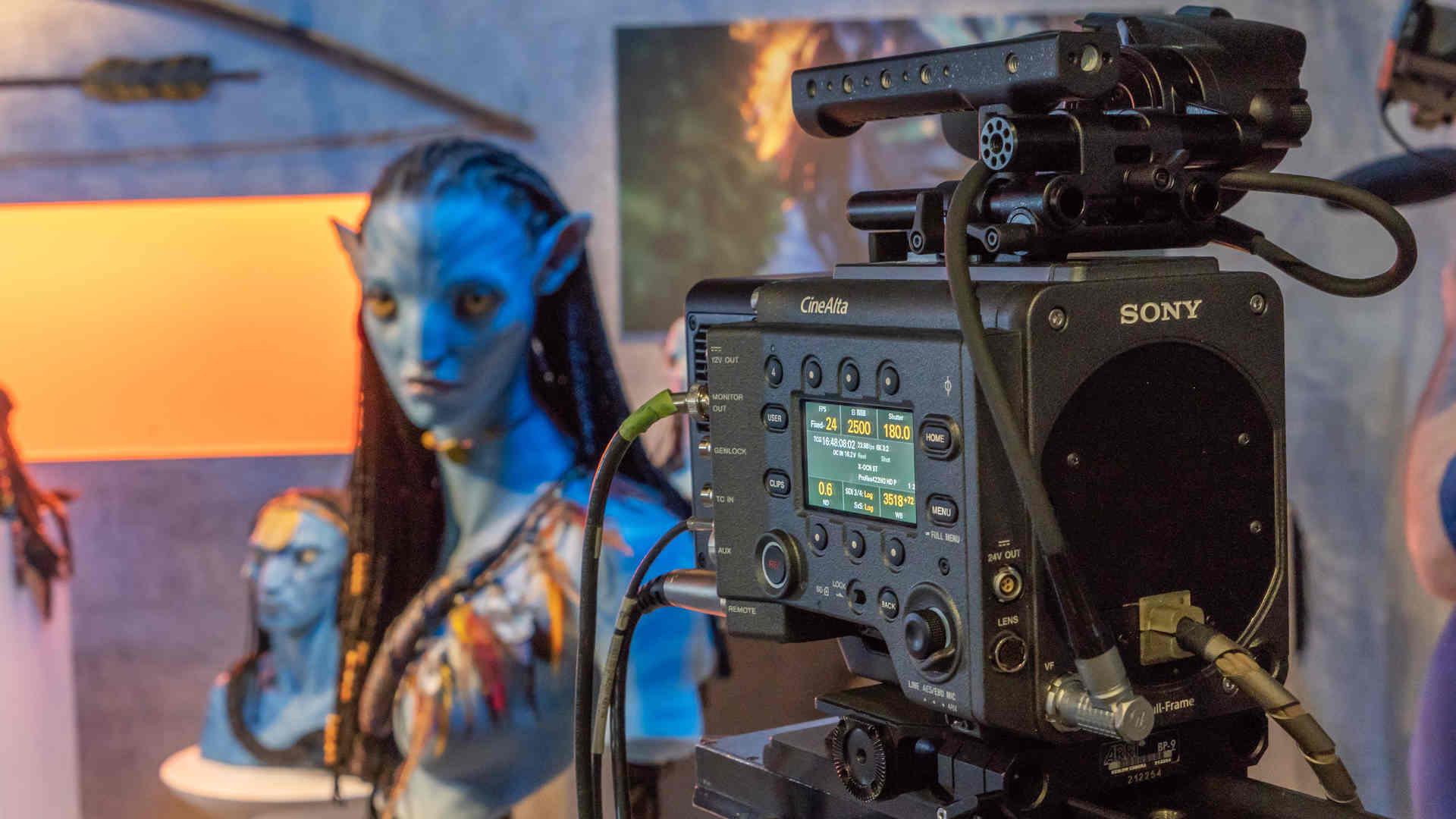 """Doanh thu """"Avatar"""" vượt """"Avengers: Endgame"""", trở lại vị trí số một"""
