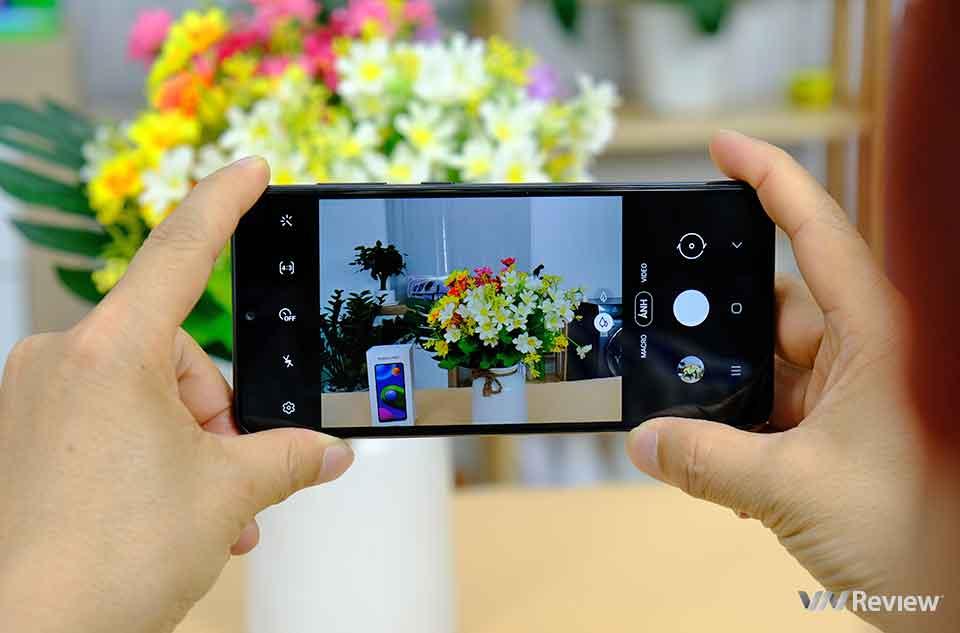 Trên tay Samsung Galaxy M02: smartphone 2 triệu đồng pin dùng được 2 ngày