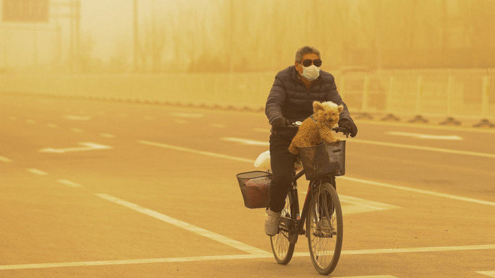 Bão cát ở Bắc Kinh, Trung Quốc thực sự tồi tệ hơn nhiều người tưởng tượng