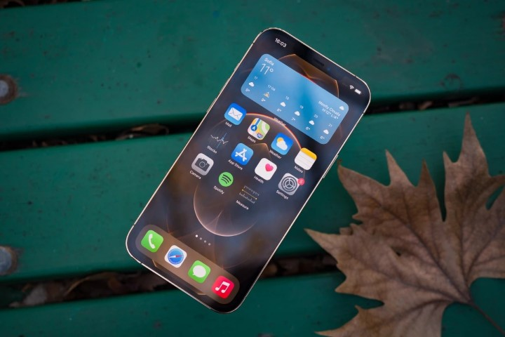 Samsung độc quyền sản xuất tấm nền 120Hz cho iPhone 13, công nghệ LTPO OLED