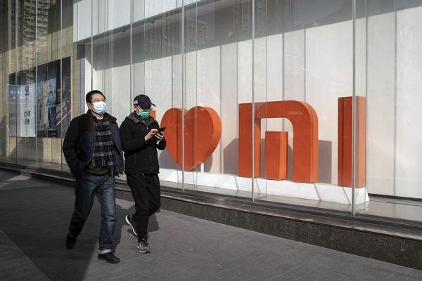 """Xiaomi lãi kỷ lục nhờ Huawei """"ngã ngựa"""""""