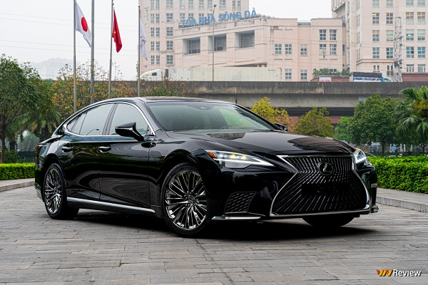Lexus LS 500h xe hạng sang có gì?