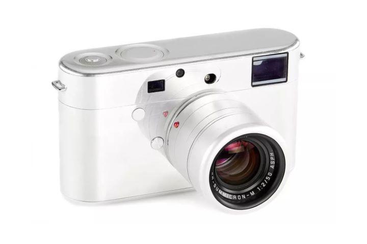 Nguyên mẫu máy ảnh Leica do Jony Ive thiết kế đang được bán đấu giá trên 200.000 USD