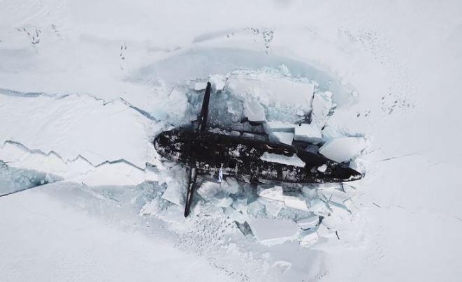 Ba tàu ngầm hạt nhân Nga phá băng Bắc Cực cùng lúc