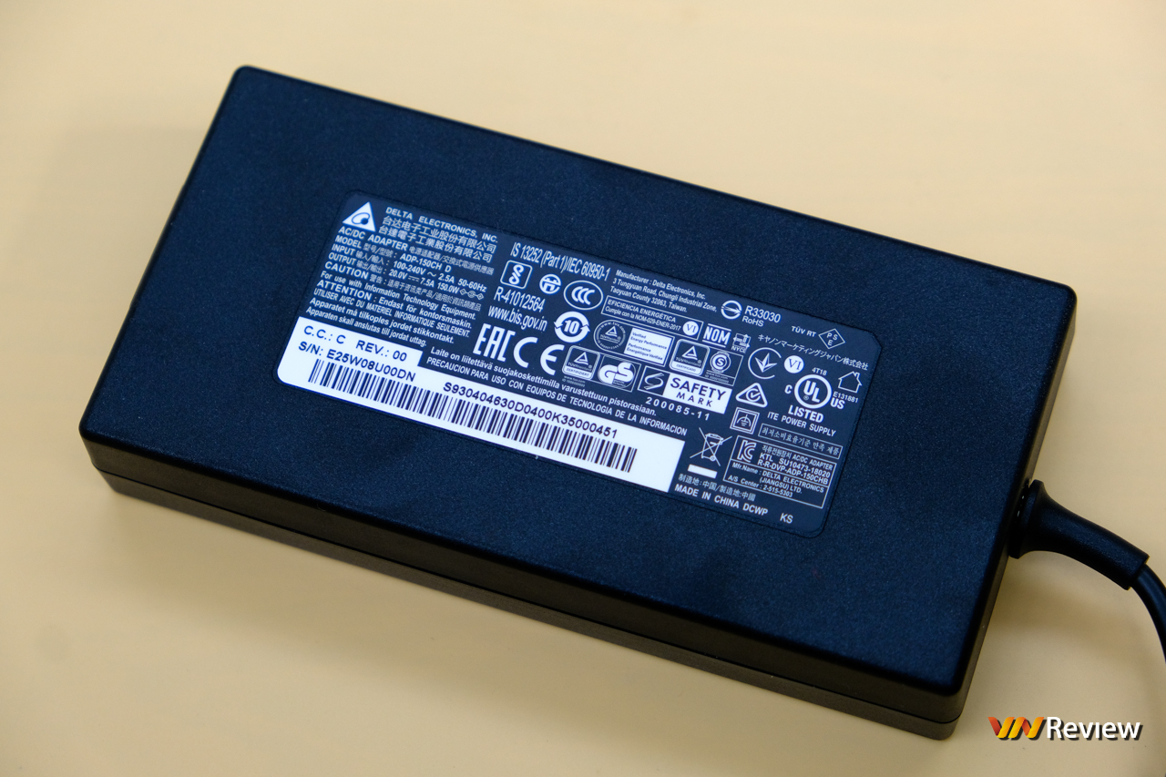 """Đánh giá MSI Stealth 15M: Máy tính xách tay gaming mang thân hình """"Ngọc Trinh"""" - VnReview 2020 28"""
