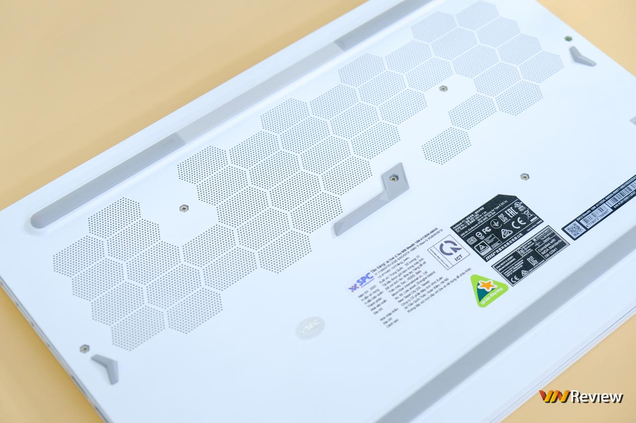 """Đánh giá MSI Stealth 15M: Máy tính xách tay gaming mang thân hình """"Ngọc Trinh"""" - VnReview 2020 7"""